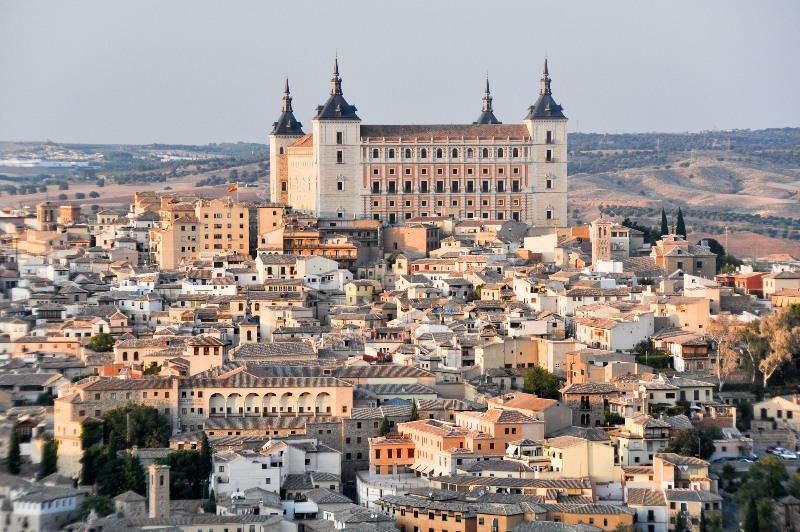 El Alcazar de Toledo se sitúa por encima de toda la ciudad.
