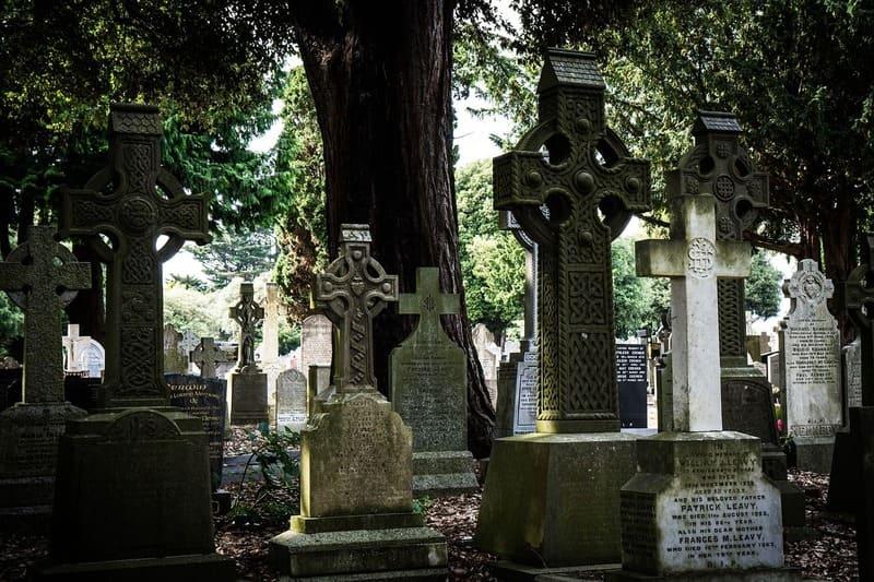 El cementerio de Glasnevin es uno de los lugares secretos que puedes ver en Dublín.