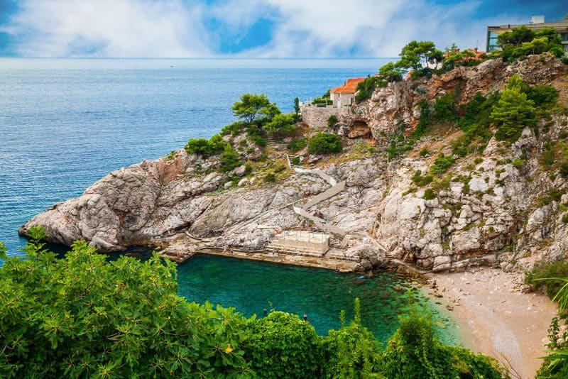 Te encantarán las aguas cristalinas de las playas de Dubrovnik