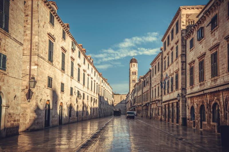 La calle de Stradun es uno de los puntos clave en el turismo de Dubrovnik
