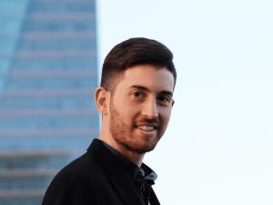 Te traemos la entrevista a Adrián Bernabéu
